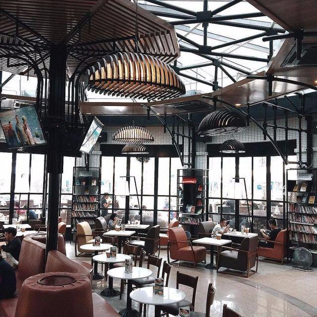 Helio-cafe-voi-khong-gian-hien-dai