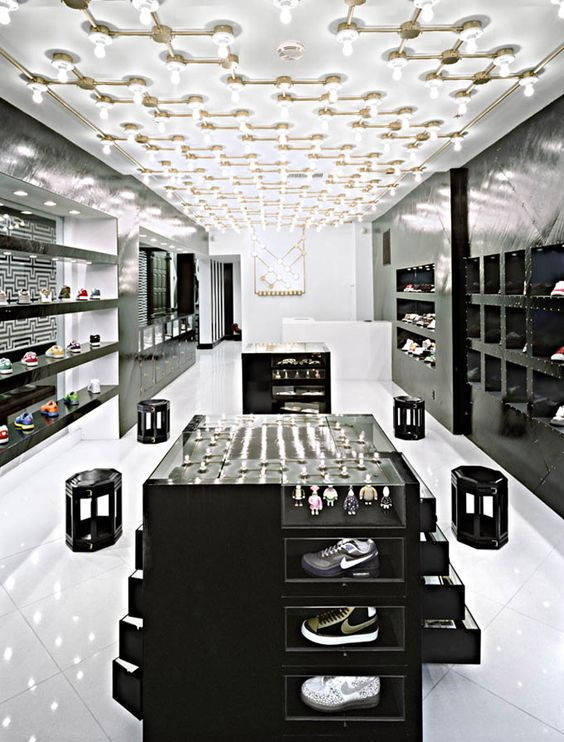 thi-cong-noi-that-showroom-phai-dam-bao-anh-sang