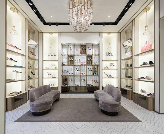 thi-cong-showroom-dep