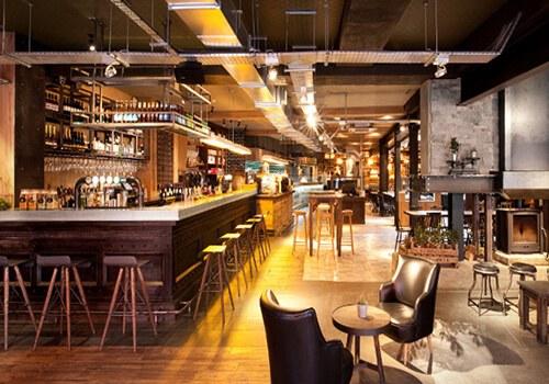 thiet-ke-quay-bar-cafe-hop-ly