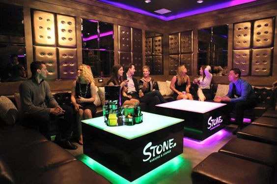 định vị nhóm khách hàng quán karaoke