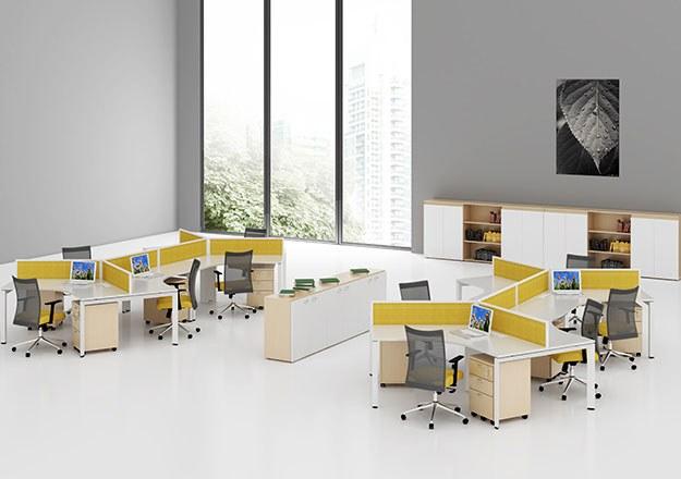 Thi công nội thất văn phòng màu vàng
