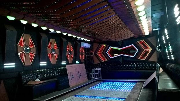 gia-thiet-ke-thi-cong-phong-karaoke-1