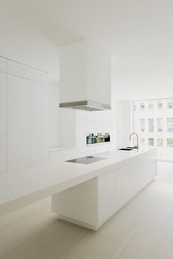 Nội thất phòng bếp tối giản nhưng vẫn tiện nghi