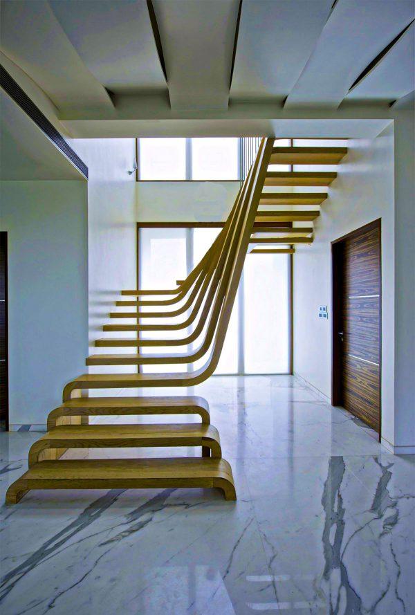 cầu thang không tay vịn thiết kế ấn tượng