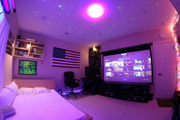 màn hình trong phòng ngủ gaming