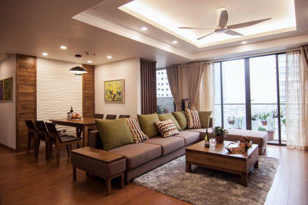 Phòng khách sử dụng nội thất gỗ tự nhiên