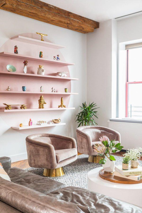 Đồ nội thất màu sắc tươi sáng được ưu tiên lựa chọn tạo điểm nhấn