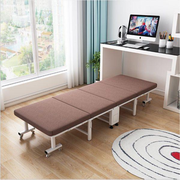 Giường gấp có đệm tạo cảm giác thoải mái khi nằm