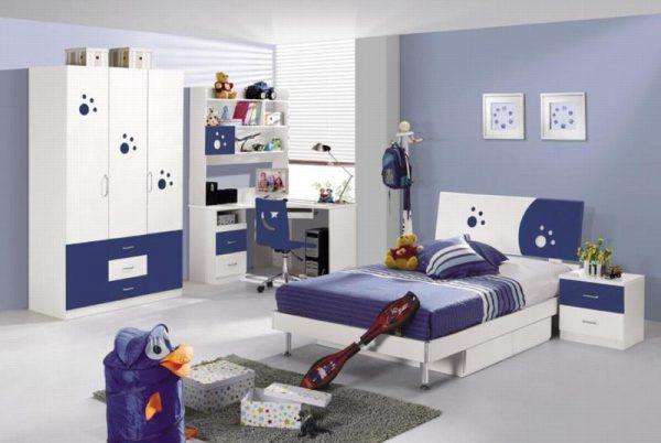 Mẫu phòng ngủ với tông màu xanh - trắng cho bé trai lớn