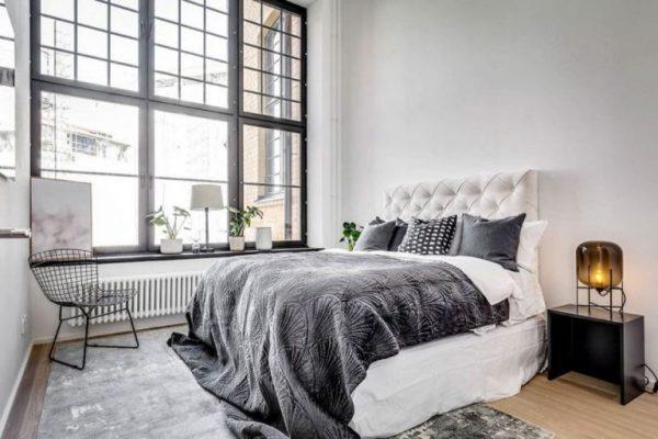 Thiết kế phòng ngủ tone đen trắng của mẫu biệt thự 2 tầng sang trọng
