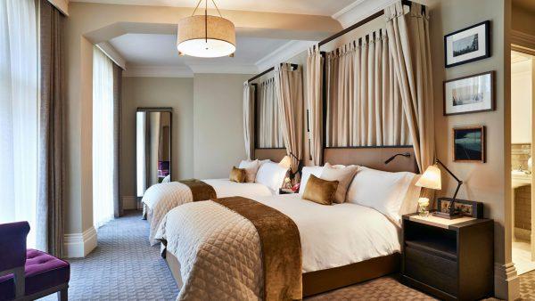 Phòng ngủ khách sạn thiết kế hiện đại