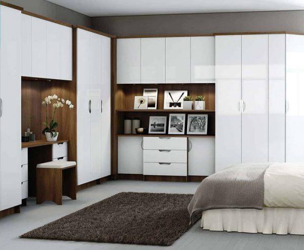 Tủ đồ kết hợp bàn trang điểm cho phòng ngủ master