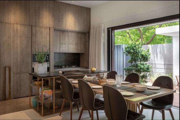 Phòng ăn sạch sẽ, ngăn nắp của biệt thự 2 tầng mái bằng
