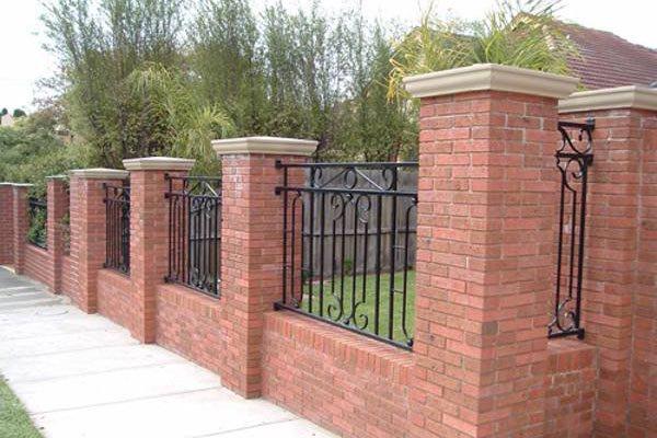 hàng rào kết hợp sắt