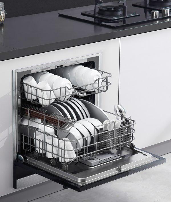 Máy rửa bát tiện lợi cho không gian bếp