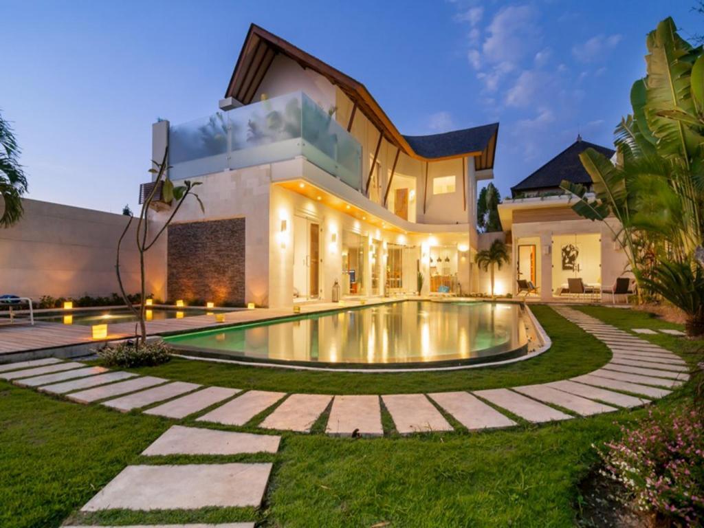 Mẫu biệt thự nhà vườn có bể bơi ngoài trời