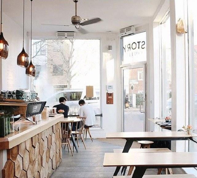 không gian hạn chế của những quán cafe nhà ống