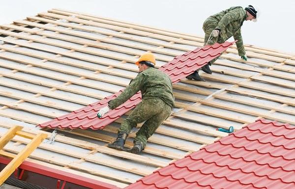 nhà 2 tầng lợp mái tôn