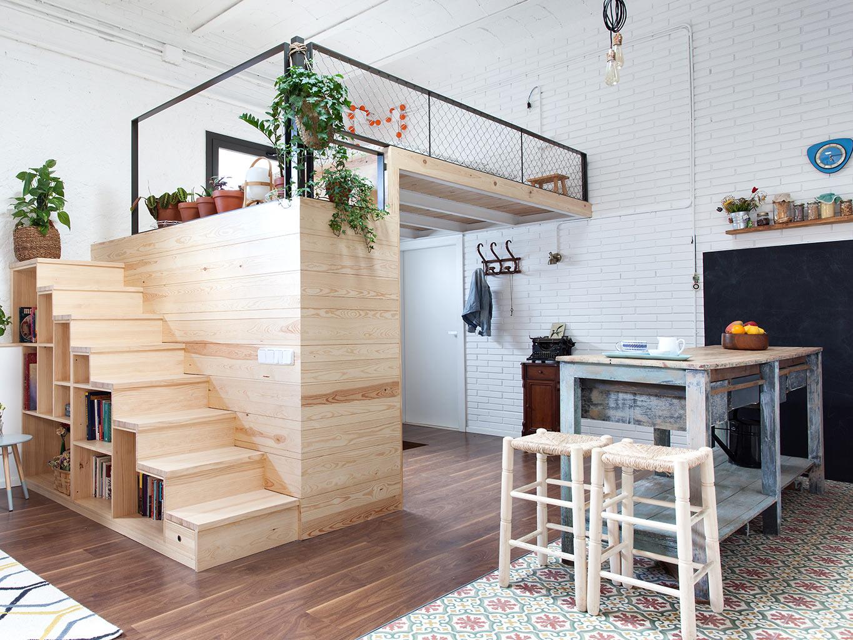 Sử dụng tầng lửng làm một không gian riêng tư để bạn nghỉ ngơi và làm việc.