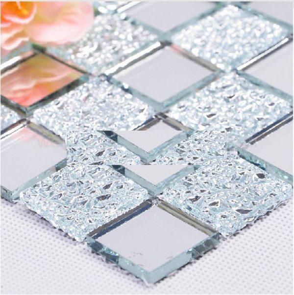 Gạch mosaic thủy tinh chỉ có thể trang trí, ốp tường chứ chưa thay thế được gạch ốp lát