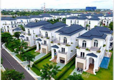 Về cơ bản đây là kiểu biệt thự được xây dựng sát cạnh nhau với phong cách kiến trúc cố định
