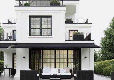 Thiết kế nhà mái bằng 2 tầng ở nông thôn như một khu nghỉ dưỡng