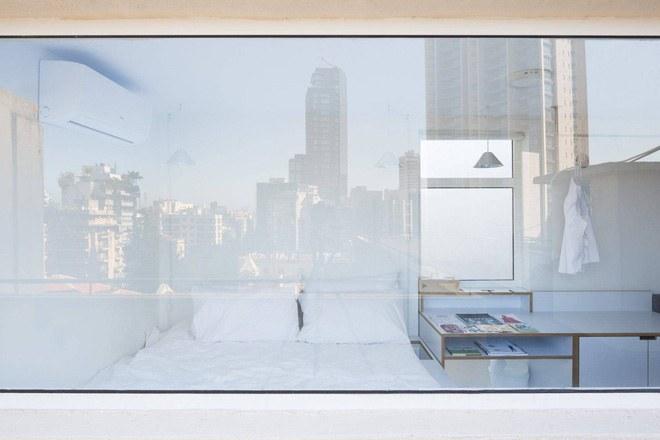 Nhờ việc thiết kế có cửa kính trong suốt nên có thể dễ dàng thu gọn cảnh đẹp trong tầm mắt