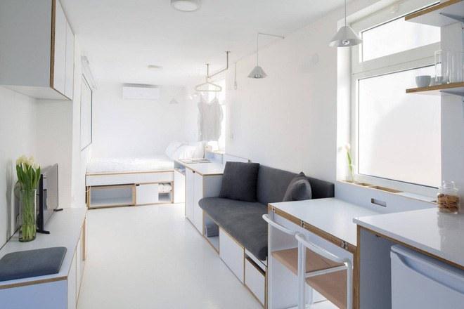 Không gian thiết kế căn hộ mini 15m2 được lựa chọn với màu trắng tinh khôi, đủ để khi ánh sáng ngập tràn, căn hộ nhỏ như rộng rãi hơn